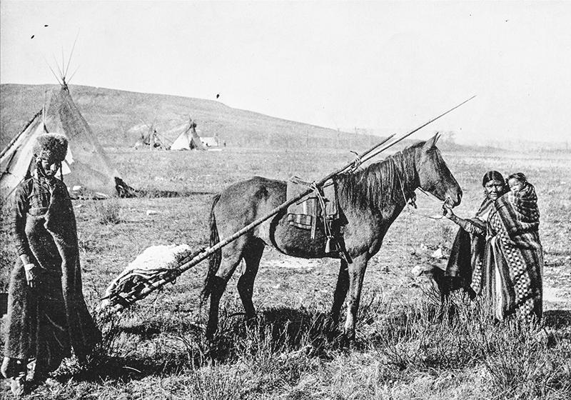 Nativos en campamento